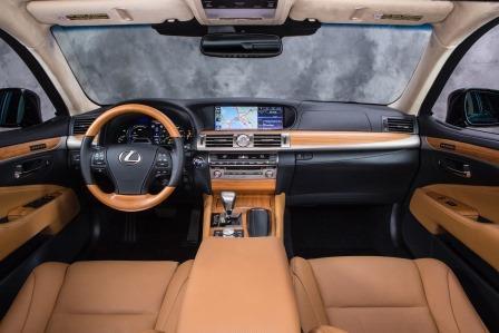 2015-Lexus-LS интерьер