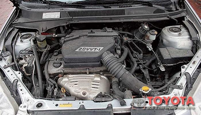 Автомастера не советуют приобретать  2-хлитровый дизельный двигатель.