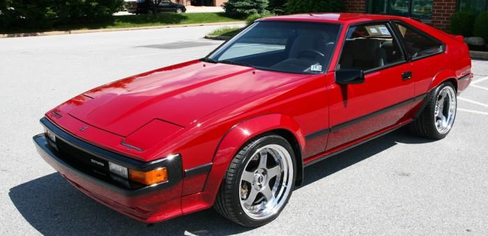 Автомобиль Toyota Supra второго поколения 1985 года.