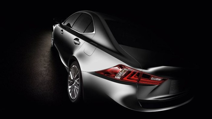 2016-Lexus-IS250_02-720x405