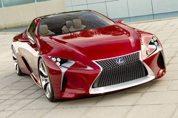 Спортиный седан Lexus IS