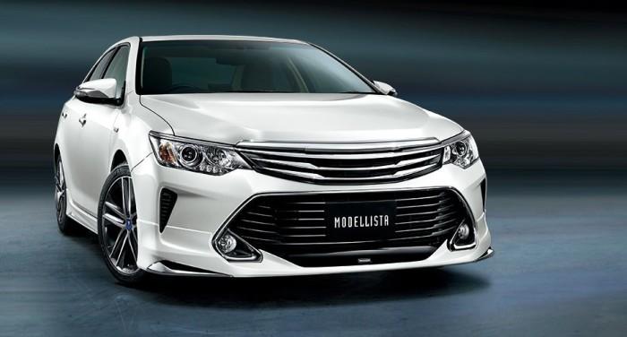 """Новая """"пасть"""" переднего бампера Toyota Camry 2.5 2015"""