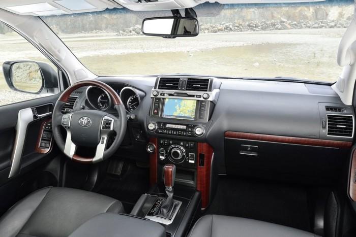 Интерьер Toyota Land Cruiser Prado 150 2015-2016