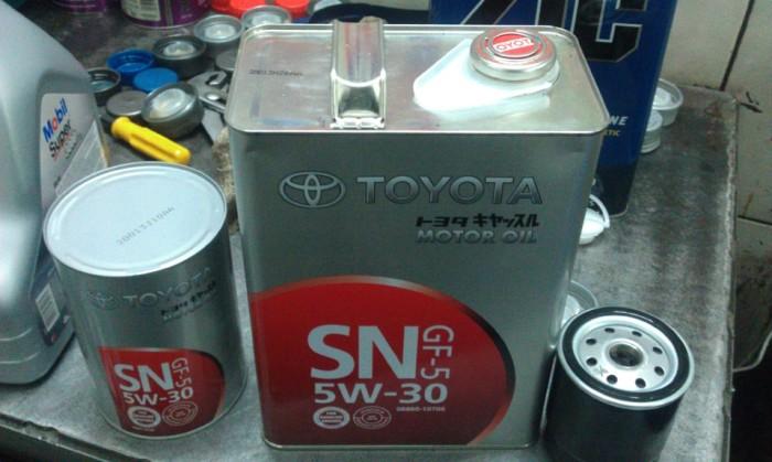 Оригинальное масло TOYOTA SN 5W-30