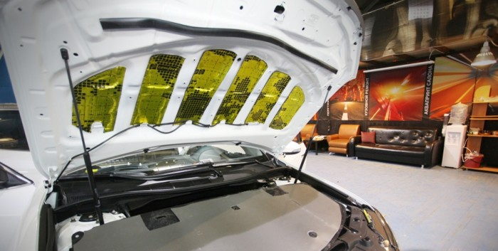 Шумоизоляция капота Тойта Камри V55